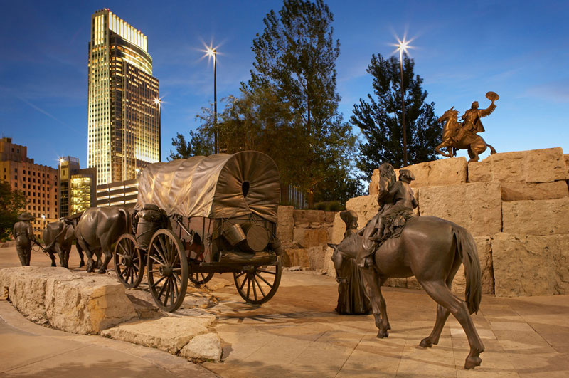 A horse and carriage statue